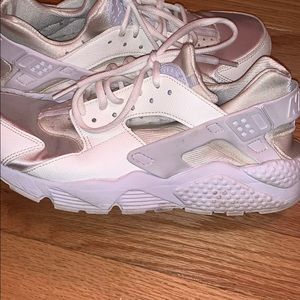 USED Women's Hurraches